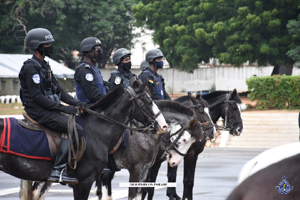 Acting IGP launches horse patrol operations. 57