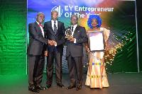 Dr Kwabena Adjei receives his award