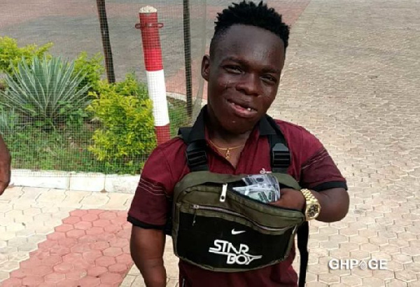 Shatta Bandle is the newest social media users bragging about their wealth