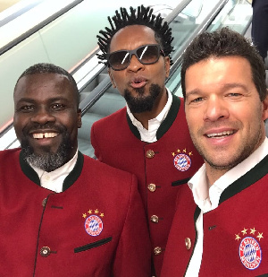 From left: Sammy Kuffour, Ze Roberto and Michael Ballack