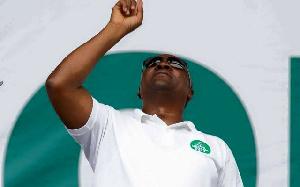 John Mahama Fingers Up1