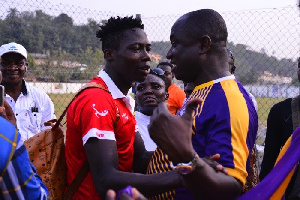Medeama SC Preisdent, Moses Armah (right) and Justice Blay (left)