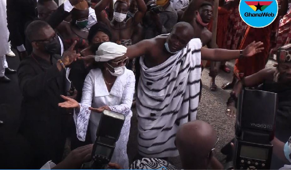 Watch how Konadu Agyeman Rawlings 'killed' the 'kete' dance at her in-law's funeral