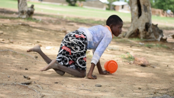 Meet the teenage school girl who crawls 1.5 kilometres to school. 49