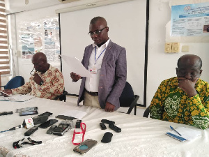 Dr. Winifred Ofosu addressing media at the press conference Tuesday