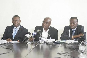 Minority Leader, Osei-Kyei-Mensah (middle) flanked by other MPs