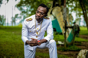 Okyeame Kwame In Small Small?fit=961%2C640&ssl=1