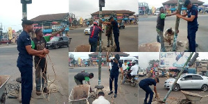 Simon Agbeko Ekpeagba repaired the traffic light with his own resources