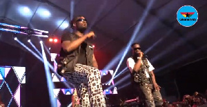 Sarkodie and Mr Eazi performing on stage