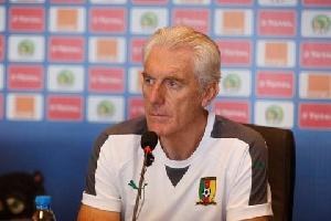 South Africa defender Rushine de Reuck heaps praise on coach Hugo Broos