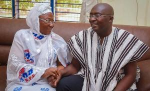 Bawumia And His Mother Hajia Mariama .png