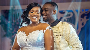 Joe Mettle and wife all loved up