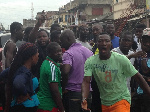 A group of guys mobbed a phone fraudster at Ashaiman
