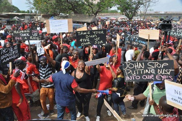 Citizens on demonstration (file photo)