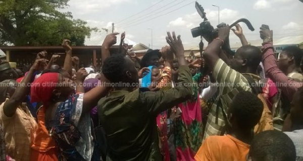 Some concerned citizens of Tamale charged the police to immediately arrest the culprits