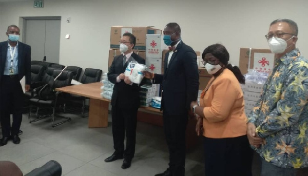 Coronavirus: China presents second batch of medical supplies to Ghana