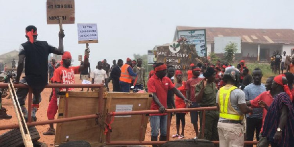 Kpone drivers, police clash over bad road,3 drivers injured