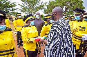 Dr Mahamudu Bawumia congratulating new officers