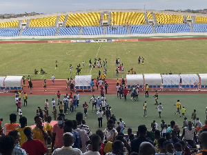 GPL Chaos On Field Of Play.jpeg