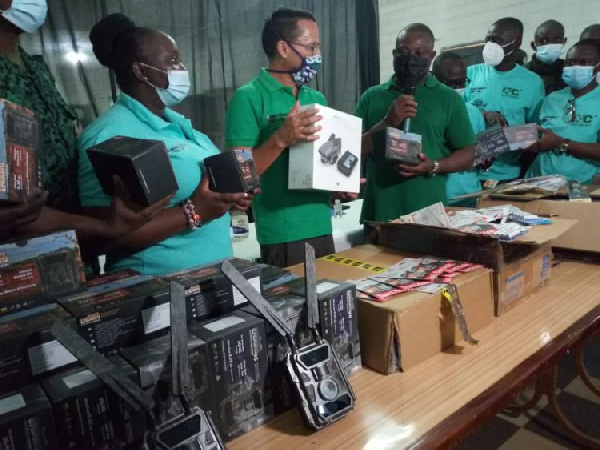 Mole National Park receives field equipment from Australian High Commissioner