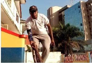 Gariba Raubil sweeping the Hearts of Oak secretariat