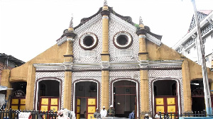 The mosque was founded by Sierra Leonean-born Nigerian, Mohammed Shitta in 1892