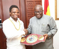 Isaac Dogboe presented the belt to President Akufo-Addo at the Jubilee house on Wednesday