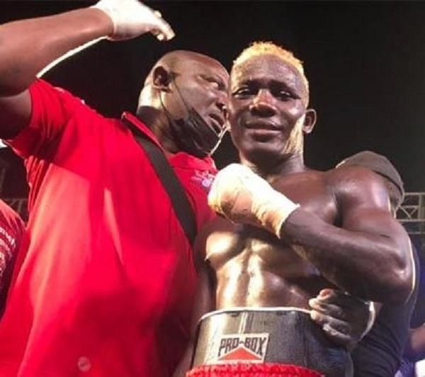 Michael Ansah retained his belt when he stopped challenger Sherrif Quaye
