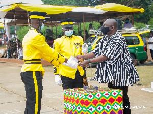 Bawumia congratulating an officer