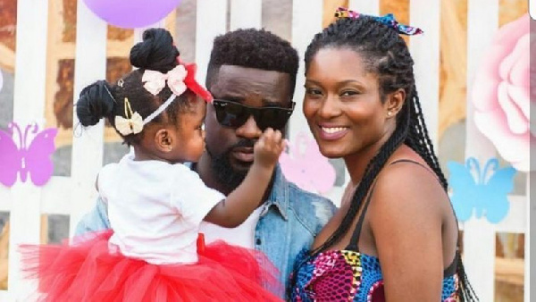 Sarkodie with his wife Tracy and their daughter