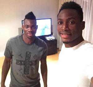 Baba Rahman takes a selfie with Christian Atsu