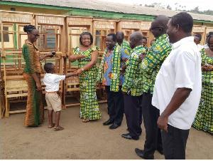 Hannah Owusu-Koranteng and her team present the items
