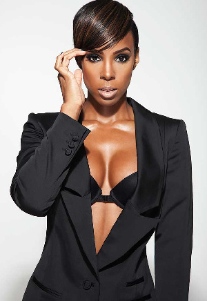 Kelly Rowland released an EP titled 'K'  featuring six tracks influenced by Afrobeat rhythms