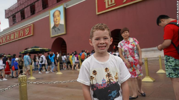 Gavin Thomas, an eight-year-old American boy who has a surprisingly huge Chinese fan base,