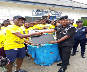 The Rotaract Club of Accra-Labone donates to the Cantonments Divisional and District Police HQ.
