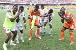 Kotoko players had a jama session before the match