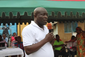 Titus Glover Meets Tema East Constituents