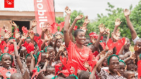 Ahuofe Patri with the school children