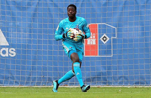 Ghanaian goalkeeper Steven Mensah promoted to Hamburg SV first team