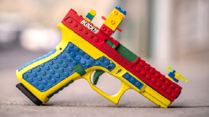 Gun wey resemble Lego toy make pipo para for US