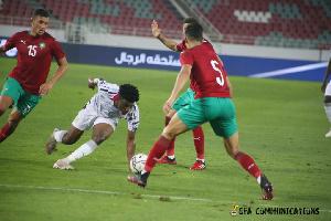Mohammed Kudus battling for the ball