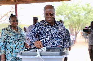 President John Magufuli casting his ballot