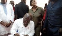 Nana Addo Dankwa Akufo-Addo NPP flag bearer signs book of condolence