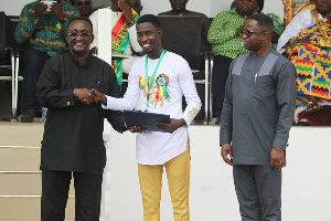 2019 National Best Agroforestry Farmer, Robben Asare (Middle)