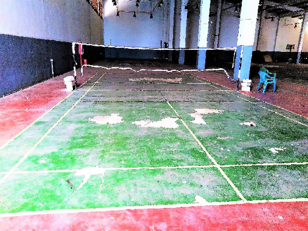 A neglected tennis court