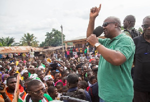 John Mahama Fingers Up