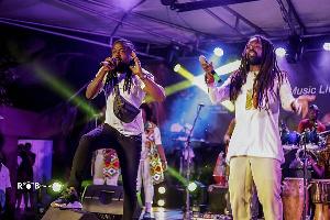 Rocky Dawuni & Samini on stage