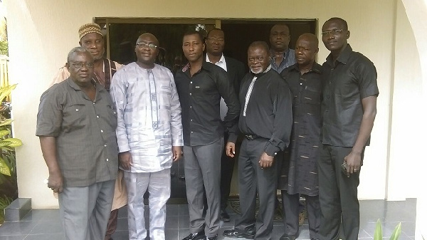Kenpong in group photo with Dr Bawumia, Azumah Nelson, others