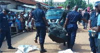 Police at the scene carried the body of the deceased to the mortuary