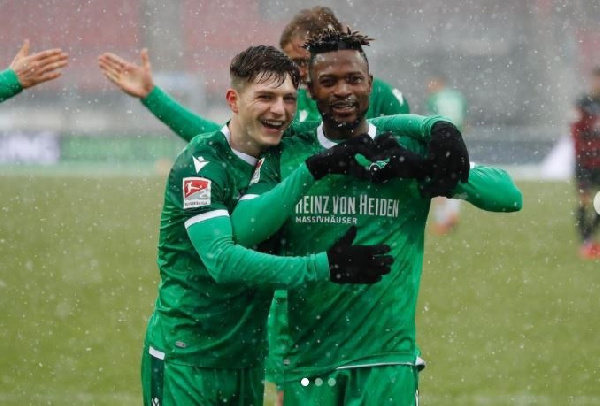 Patrick Twumasi reacts to Hannover 96 big win against Nurnberg